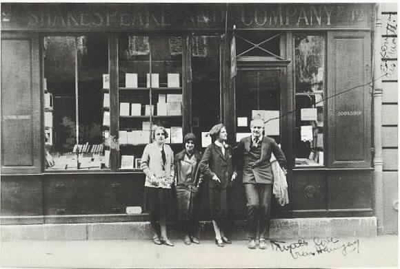 Shakespeare-and-Company-Hemingway-Sylvia-Beach-Adrienne-Monnier